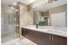 18. BL11 Master Bath