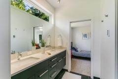 22. BL12 Bathroom