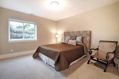 21. LK37 Bedroom