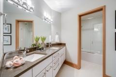 30. VR5 Bath