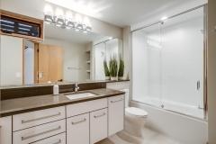 35. VR5 Bath